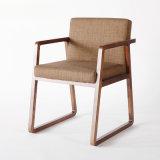 La última silla de cena de madera de llegada de los muebles caseros del diseño