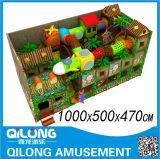 Niños plástico cubierta Playground (QL-3024A)