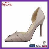 銀製カラーハイヒールの靴