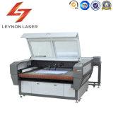 Machine de découpage automatique de laser de fleur brûlante de fourrure