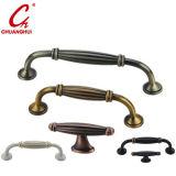 家具のハードウェアのキャビネットのZamakのハンドル(CH2143)