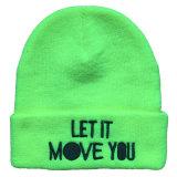Chapeau/chapeau tricotés personnalisés de Beanie de l'hiver avec la broderie en métal