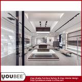 Diseño al por menor del almacén de zapatos con el equipo de visualización atractivo del departamento de zapatos