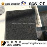 自然な石造りの中国の黒い花こう岩G684黒いBalsaltのタイル