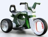 Самая горячая езда на мотоцикле для ребенка