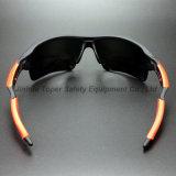 Le type de sport lunettes de sûreté en nylon de bâti avec le doux incline (SG128)