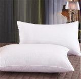 폴리에스테 덮개는 특별히 3개의 별 호텔 침대 베개를 순화한다