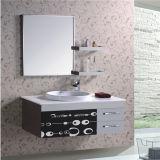 Vanità fissata al muro all'ingrosso della stanza da bagno con la mensola