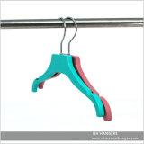 """11 """" suspensiones de ropa plásticas del bebé suave de goma de Chlidren"""