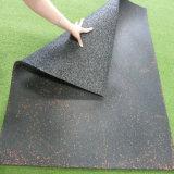 El caucho industrial del color embaldosa el suelo de goma de suelo del patio de goma cuadrado del azulejo
