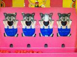 Grande bocca della cabina di carnevale dei giochi del parco di divertimenti del gatto
