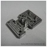 Peça fazendo à máquina do CNC da placa de alumínio