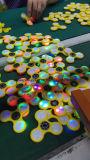 공장 가격 LED 불꽃 다채로운 손 방적공과 가진 재미있은 장난감 싱숭생숭함 방적공