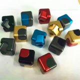 最も新しいデザインは魔法の立方体の落着きのなさの紡績工を回転させる