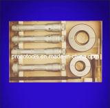 Trois ensembles point à l'intérieur de micromètre