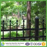 Qualitäts-schwarzer preiswerter dekorativer bearbeitetes Eisen-Zaun mit Pfeil