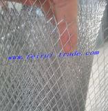 PVCによって塗られる深緑色か黒い金網