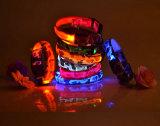 ボタンのセル電池が付いている高品質のカムフラージュプリントLEDドッグカラー