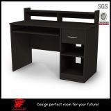 Модель стола компьютера самомоднейшей конструкции мебели домашнего офиса деревянная