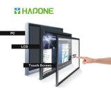 パソコンが付いているフラットスクリーンTVは統合された対話型のタッチスクリーンにマルチ触れる