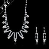 La joyería de imitación romántica de la boda de la perla fijó en el cristal para las mujeres