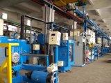 Ligne tandem d'extrusion pour la fabrication de câbles de réseau local