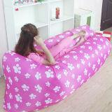 屋外の不精なソファーの膨脹可能なベッドの空気アウトレット浜の寝袋