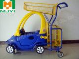 Carro de compras de los niños de la tienda al por menor del supermercado