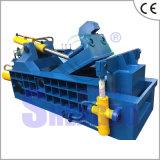 Máquina de empacotamento da imprensa Waste do metal (fábrica)