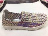 Zapatos coloridos de la última manera para las mujeres con buena calidad