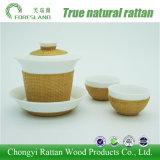 La tazza cinese della porcellana servisce i piatti per bere del tè e della decorazione
