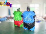 Procès gonflable de sumo d'homme vert avec le couvre-tapis au sol