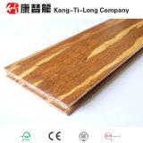 Сплетенный стренгой Bamboo пол тимберса