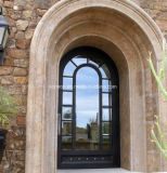 フランス様式の平屋建家屋の錬鉄の複式記入のドア