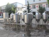 Micro strumentazione utilizzata casa di preparazione della birra con il fermentatore conico