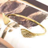 As pulseira ajustáveis das asas dobro do anjo abrem braceletes do punho