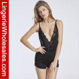 여자의 섹시한 한 조각 레이스 깊은 V 목 고삐 잠옷 란제리