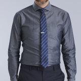 사업가의 100% 유기 면 예복용 와이셔츠를 측정하기 위하여 하는 셔츠 공장 공급 고품질