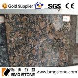 Le granit baltique compétitif de Brown pour la partie supérieure du comptoir couvre de tuiles le dessus de vanité