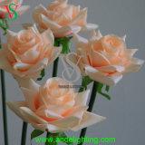 단 하나 줄기 인공적인 로즈 꽃 빛