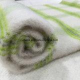 Шинель проверки ткани шерстей щетки