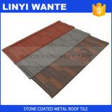 Tuiles de toit enduites en métal de sable de couleur de nature de résistance aux intempéries