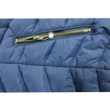 도매 여자 형식은 파란 옥외 덧대진 겨울 재킷을 입는다