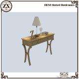Спальня гостиницы машинной плиты гостиницы пишет стол