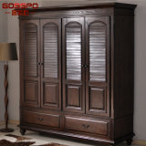Guardaroba di legno intagliato oggetto d'antiquariato con il portello Louvered (GSP17-009)