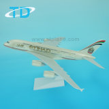Пластичная модель пассажирского самолета корабля A380 Etihad 37cm для подарка дела