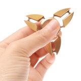 三紡績工の純粋な真鍮のカニの形の落着きのなさのおもちゃの指先のジャイロスコープ