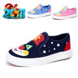 漫画の赤ん坊のための平らなズック靴はKtkd-001をからかう