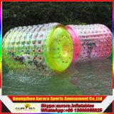 Шарики шарика пузыря роликов раздувной воды потехи цветов гуляя людские определенные размер людские для сбывания