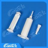 Шприц высокого качества белый пластичный для коровы